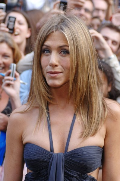American actress Jennifer Aniston attends the premiere of The Break-up at Vue,Leicester Square in London on June 14,2006. (UPI Photo/Rune Hellestad)