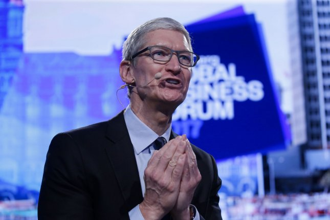 Apple CEO Tim Cook makes surprise visit to Reno
