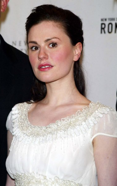 Anna Paquin arrives for the New York City Ballet Spring Gala featuring the World Premiere of Peter Martins' Romeo + Juliet at the New York State Theater at Lincoln Center in New York on May 1, 2007. (UPI Photo/Laura Cavanaugh)