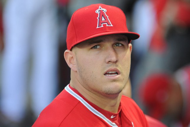 Mike Trout Angels Star Hits 459 Foot Bomb Vs Mariners