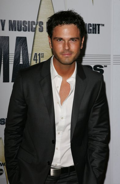 Chuck Wicks arrives at the 41st annual Country Music Association Awards in Nashville, Tennessee on November 7, 2007. (UPI Photo/John Angelillo)