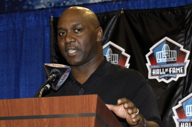 Former NFL running back Thurman Thomas of the Buffalo Bills speaks at a press briefing following his selection to the National Football League Hall of Fame on February 3, 2007 in Miami. File photo by Joe Marino-Bill Cantrell/UPI