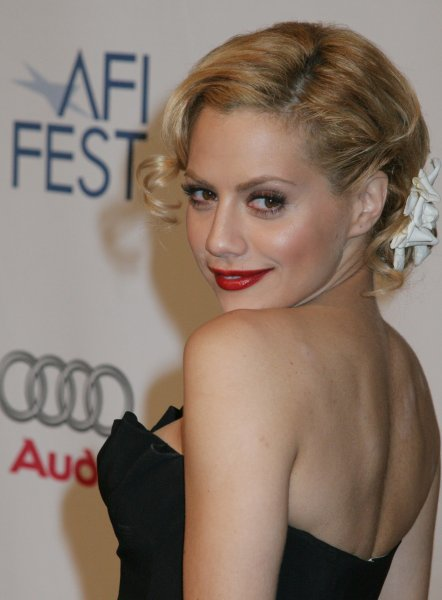 Brittany Murphy arrives for a special presentation of her film The Dead Girl at the AFI Fest 2006 in the Hollywood section of Los Angeles on November 7, 2006. (UPI Photo/David Silpa)