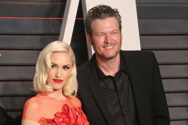 Look gwen stefani blake shelton dress up as scooby doo gwen stefani l and blake shelton shown here at the 2016 vanity fair oscar party celebrated stefanis sons fourth birthday together m4hsunfo