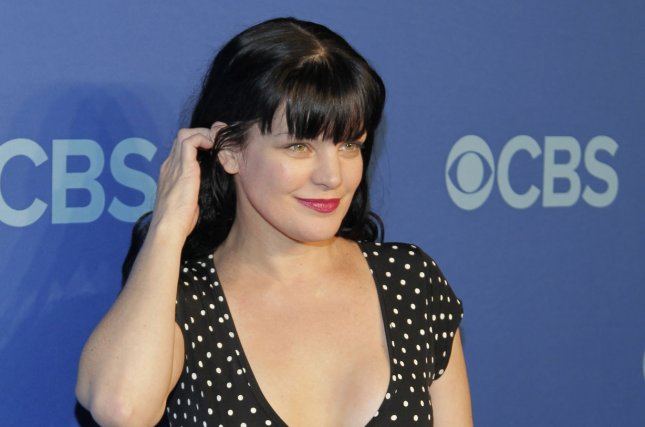 Ncis Star Pauley Perrette Hospitalized By Allergic Reaction To Hair