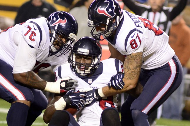 Duane Brown Doesn't Report To First Day Of Mandatory Minicamp