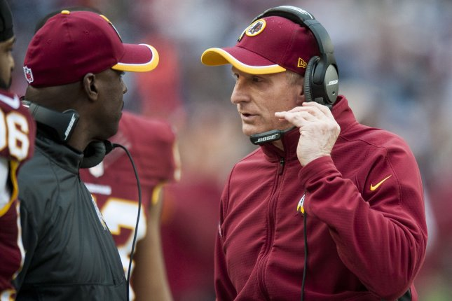 Washington Redskins defensive coordinator Jim Haslett (center) on the sideline during the fourth quarter against the Dallas Cowboys at FedEx Field in Landover, Maryland on December 28, 2014. UPI/Pete Marovich