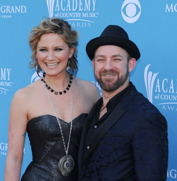 Jennifer Nettles and Kristian Bush, of the duo Sugarland, arrive on the Orange Carpet at the Academy of Country Music (ACM) Awards in Las Vegas, Nevada on April 18, 2010. UPI/Alexis C. Glenn