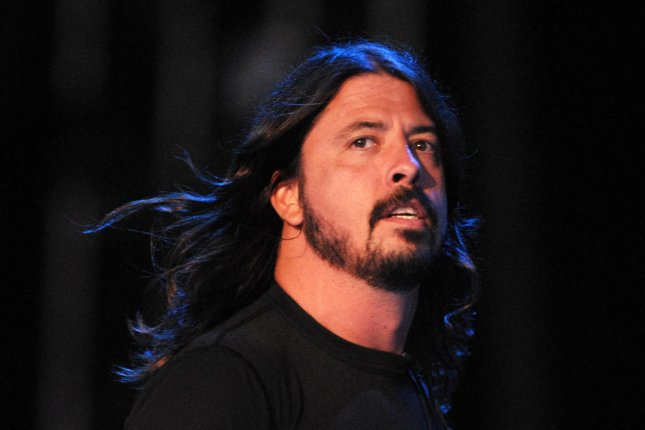 Dave Grohl of the band Foo Fighters performs at the Virgin Mobile Festival at Pimlico Race Course in Baltimore, Maryland on August 9, 2008. (UPI Photo/Alexis C. Glenn)