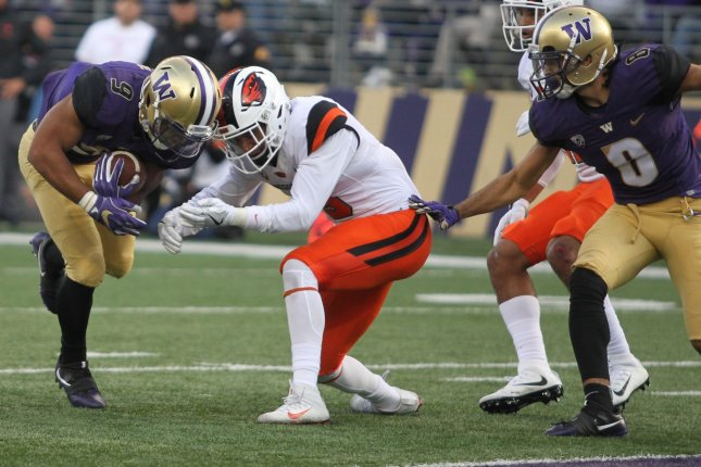 No. 6 Washington overcomes slow start in 42-7 win over Beavs