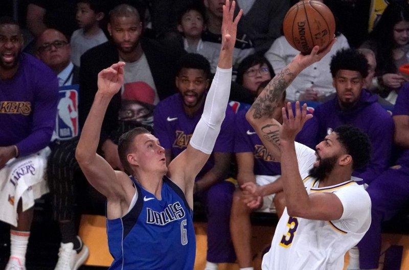 Lebron James Reaches Assist Mark As Lakers Top Mavericks