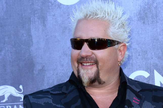 Guy Fieri Dons Normal Hairstyle In Altered Viral Photo Upi Com