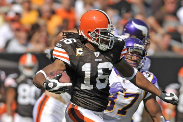 83a51d99f Cleveland Browns wide receiver Josh Cribbs (16) is pursued by Minnesota  Vikings safety Eric Frampton (37) on a punt return during the second half  at ...
