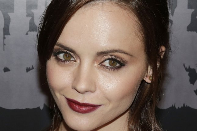 Who is christina ricci currently dating