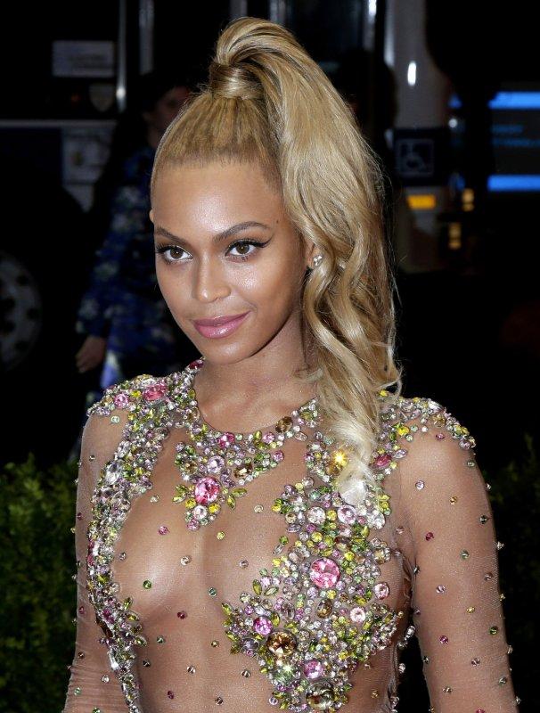 2468072874b11 Beyonce announces women s activewear line