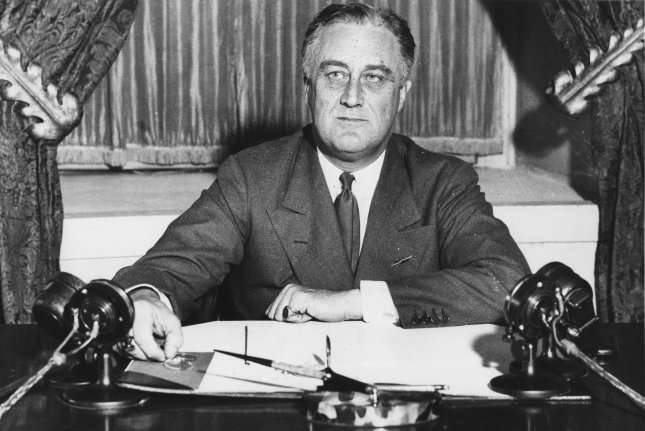 In His Fireside Chat Walker Said He >> On This Day March 12 Roosevelt Gives First Fireside Chat Upi Com