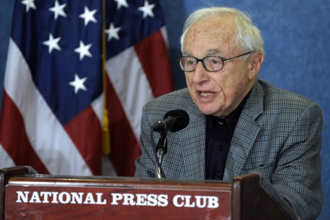 Screenwriter Walter Bernstein speaks on the Hollywood Blacklist brought on in the 1950's communism scare at the National Press Club in Washington on December 13, 2007. (UPI Photo/Roger L. Wollenberg)