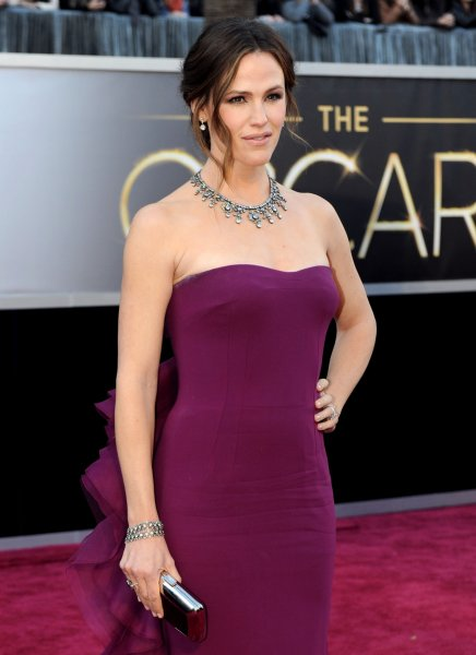 Jennifer Garner arrives on the red carpet at the 85th Academy Awards at the Hollywood and Highlands Center in the Hollywood section of Los Angeles on February 24, 2013. UPI/Kevin Dietsch
