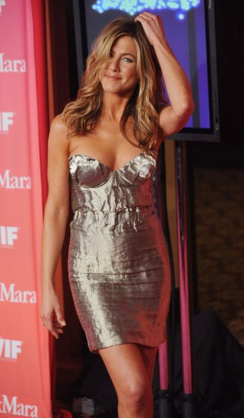 Aniston films movie at N.Y. Daily News