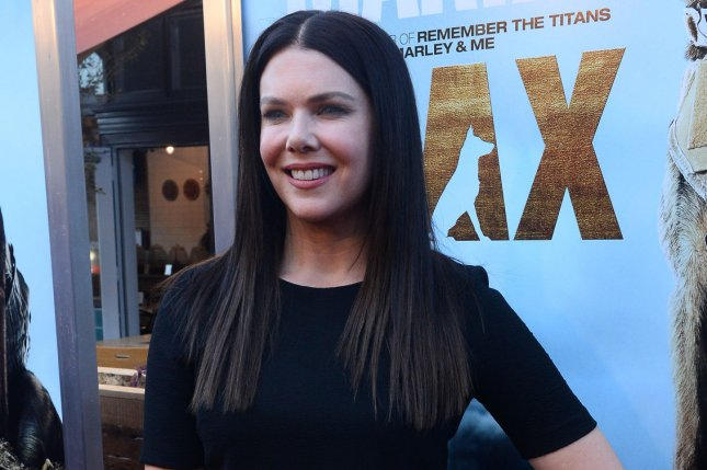 Rory and Lorelai discuss Amy Schumer in teaser for 'Gilmore Girls: A Year in the Life'