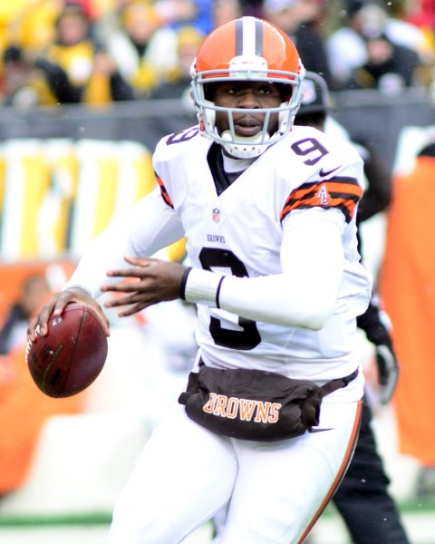 Thad Lewis, shown in a game last season when he was with the Cleveland Browns, will be the starting quarterback for the Buffalo Bills next Sunday. It will be the second NFL game for Lewis. UPI/Archie Carpenter