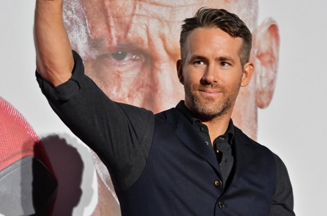 Ryan Reynolds releases behind-the-scenes photo for