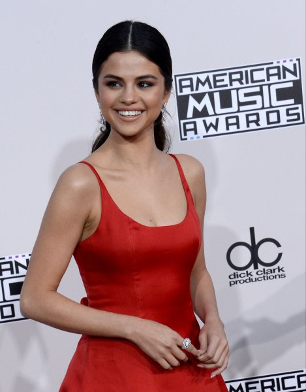 Selena Gomez at the 2016 American Music Awards on Sunday. Photo by Jim Ruymen/UPI