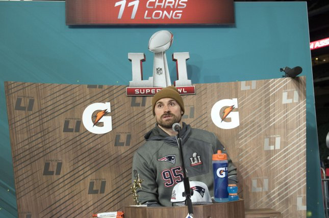 Chris Long says he won't re-sign with Patriots