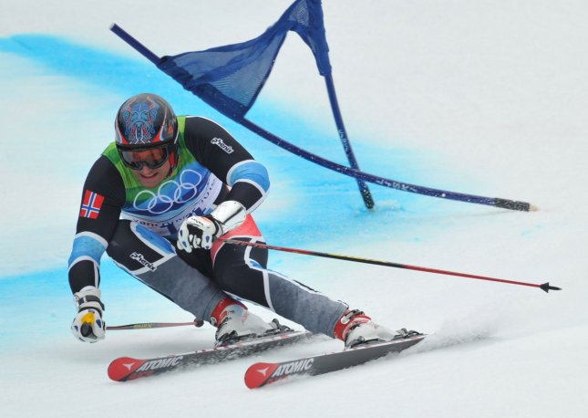 Norway's Aksel Lund Svindal skis to a bronze medal during the giant slalom at the Vancouver Winter Olympics Feb. 23, 2010. UPI/Kevin Dietsch