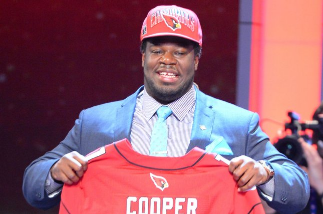 49ers sign former first-round pick Jonathan Cooper