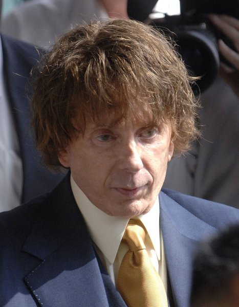Phil Spector leaves following a court appearance in Los Angeles, California on September 19, 2007. The jury reported to the judge on Tuesday that they had reached a 7-5 impasse. (UPI Photo/ Phil McCarten)