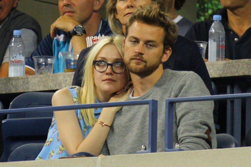 Jamie Strachan dating Dakota Fanning