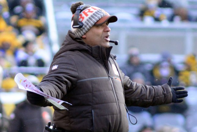 Cleveland Browns head coach Hue Jackson reacts to a roughing the passer call in the second quarter against the Cleveland Browns on December 31 at Heinz Field in Pittsburgh. File photo by Archie Carpenter/UPI