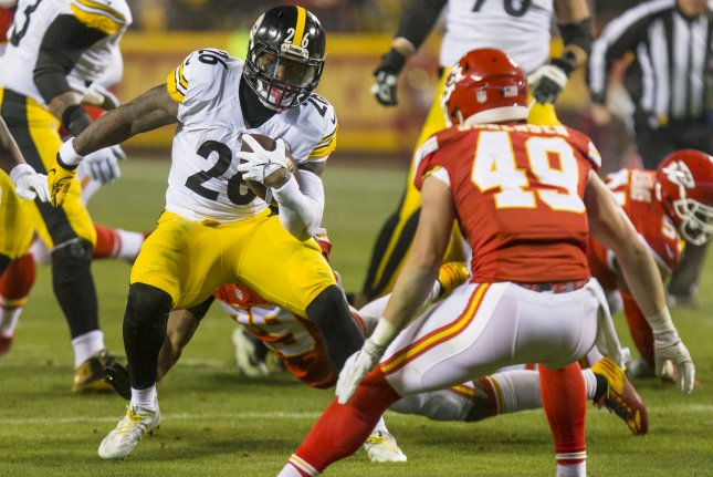 Pittsburgh Steelers running back Le'Veon Bell breaks into the Kansas City Chiefs backfield in the first quarter during the NFL Playoff at Arrowhead Stadium in Kansas City on January 15, 2017. File photo by Kyle Rivas/UPI