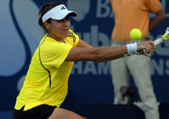 Anabel Medina Garrigues from Spain returns the ball to her opponent, the world No. 4, Elena Dementieva from Russia on the fourth day of the Women's Dubai Championships on February 18, 2009. Dementieva won the match 6-1, 6-3. (UPI Photo/Norbert Schiller)