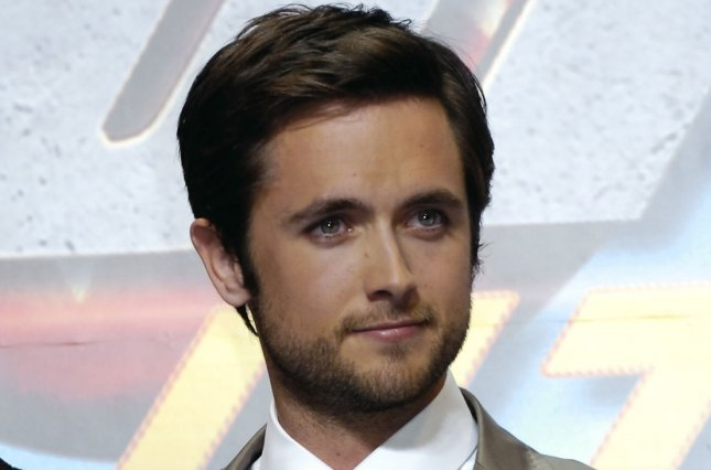 Justin Chatwin Megan Ketch To Star In CBS American Gothic