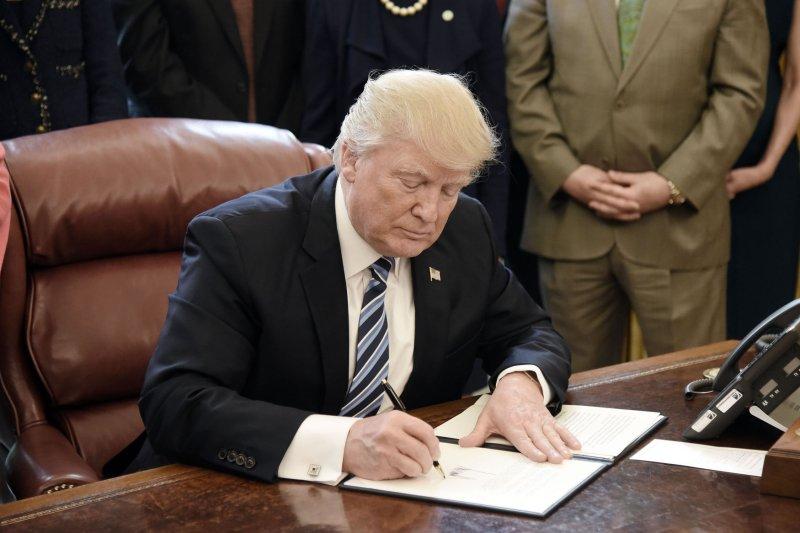Trump orders investigation into aluminum imports