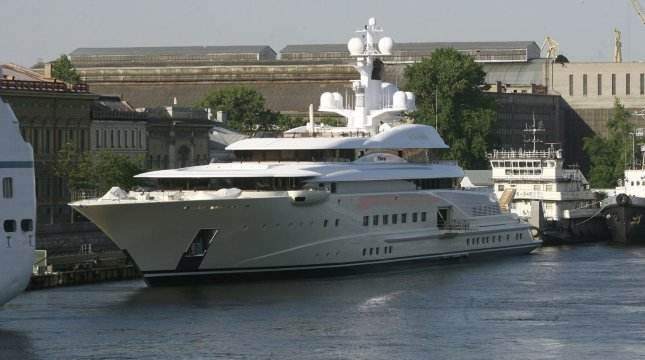 Official: Buying county a yacht was wrong