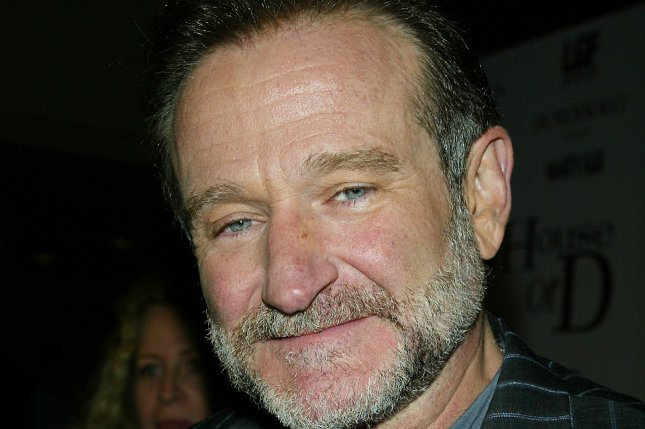 Robin Williams arrives for the premiere of House of D at the Loews Lincoln Square Theater in New York on April 10, 2005. (UPI Photo/Laura Cavanaugh)