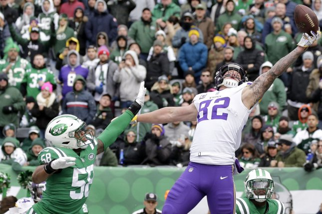 d622ee36a12 Minnesota Vikings tight end Kyle Rudolph tries and fails to make a one  handed touchdown grab in the first half against the New York Jets on  October 21 at ...