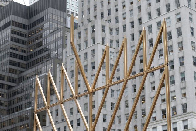 world s largest menorah erected near central park ahead of hanukkah