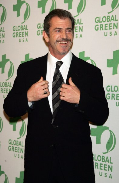 Mel Gibson arrives at the Global Green USA Sustainable Design Awards Gala in New York on December 10, 2008. (UPI Photo/Laura Cavanaugh)
