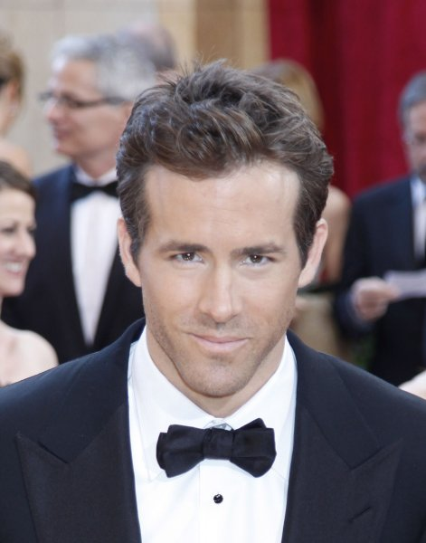 Actor Ryan Reynolds arrives on the red carpet at the 82nd Academy Awards in Hollywood on March 7, 2010. UPI/David Silpa