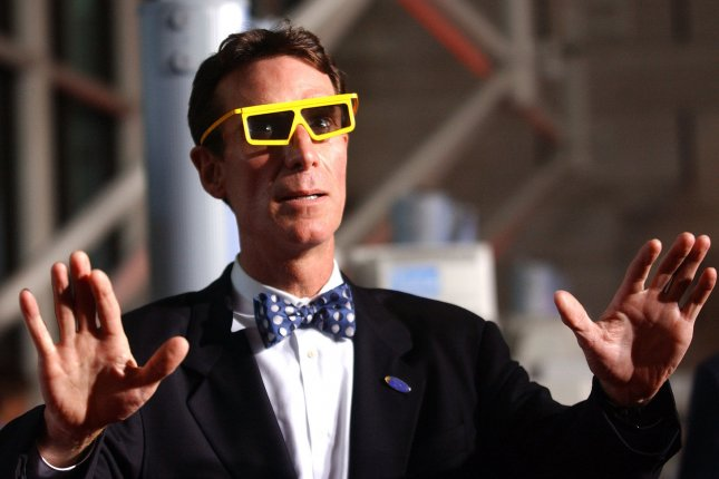 TV Personality Bill Nye the Science Guy walks the red carpet wearing 3D glasses at the premier of the IMAX movie Magnificent Desolation: Walking on the Moon presented by Tom Hanks, at the National Air and Space Museum in Washington on Sept. 21, 2005. (UPI/Photo Kevin Dietsch)