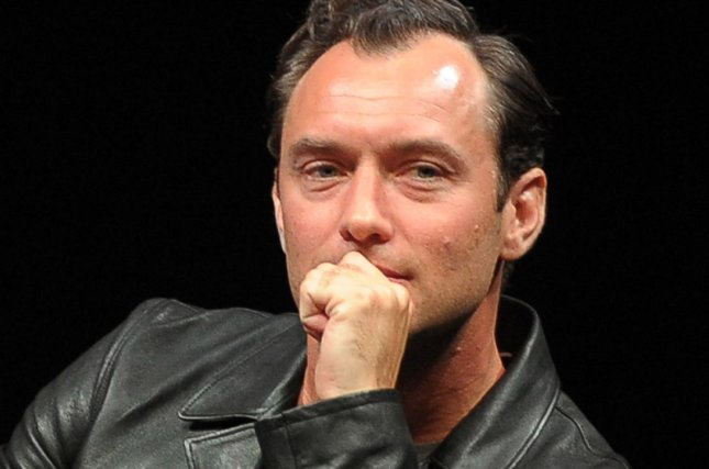 Jude Law in Talks to Join Captain Marvel