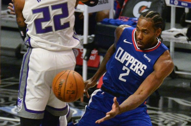 Los Angeles Clippers forward Kawhi Leonard (R) has averaged 32.3 points, 6.6 rebounds and five assists in the Clippers' last three wins. File Photo by Jim Ruymen/UPI