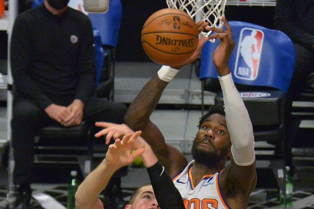 Suns take 2-0 series lead on LA Clippers with Ayton's last-second dunk