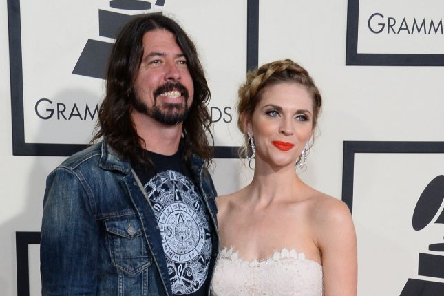 700128046e4 Dave Grohl to Italian musicians who made  super nice  video   We ll see  each other soon