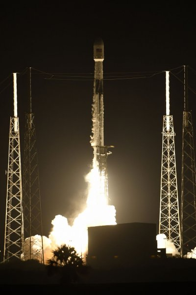 SpaceX launches 58 Starlink, 3 SkySat satellites from Florida