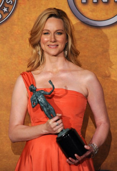 Laura Linney appears backstage with ther award for outstanding performance by a female actor in a television movie or miniseries for John Adams at the15th Annual Screen Actors Guild Awards in Los Angeles on January 25, 2009. (UPI Photo/Jim Ruymen)